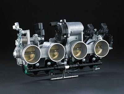 Sistema de accionamiento electrónico del acelerador en motor de motocicleta
